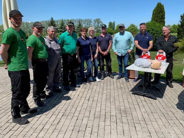 Defibrillator Nun Auch Im Wartburg Golfpark